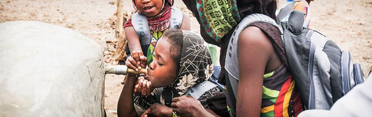극심한 영양실조를 겪고 있는 44만 명의 아이들